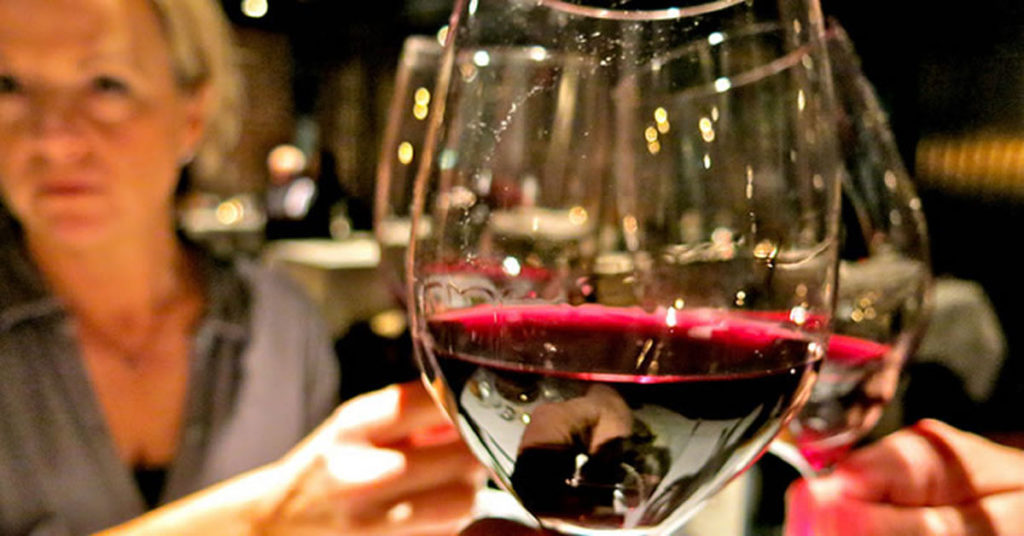 "Resultado de imagen para tomar vino adelgaza"""